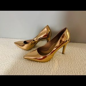 Christian Siriano Shoes - Gold heels